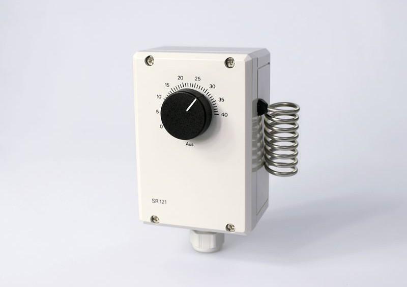 thermostaat ventilator verwarming van het huis met brandhout. Black Bedroom Furniture Sets. Home Design Ideas